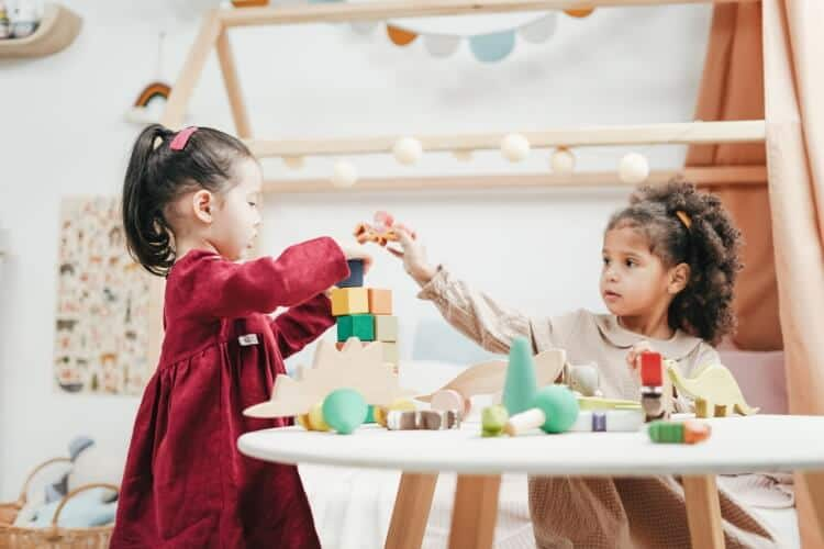 5 Key Social Skills for Kids and How to Encourage Their Development